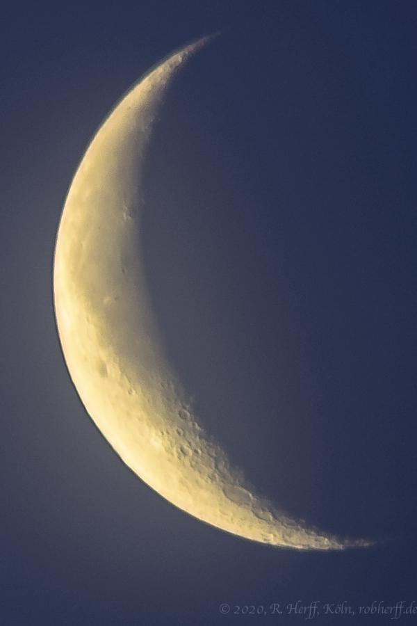Mondsichel vor Neumond